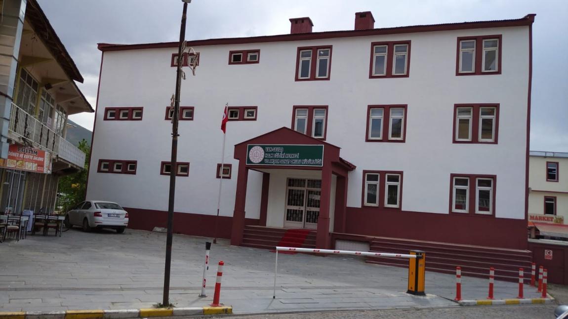 VAN GEVAŞ Halk Eğitim Merkezi Ve Akşam Sanat Okulu